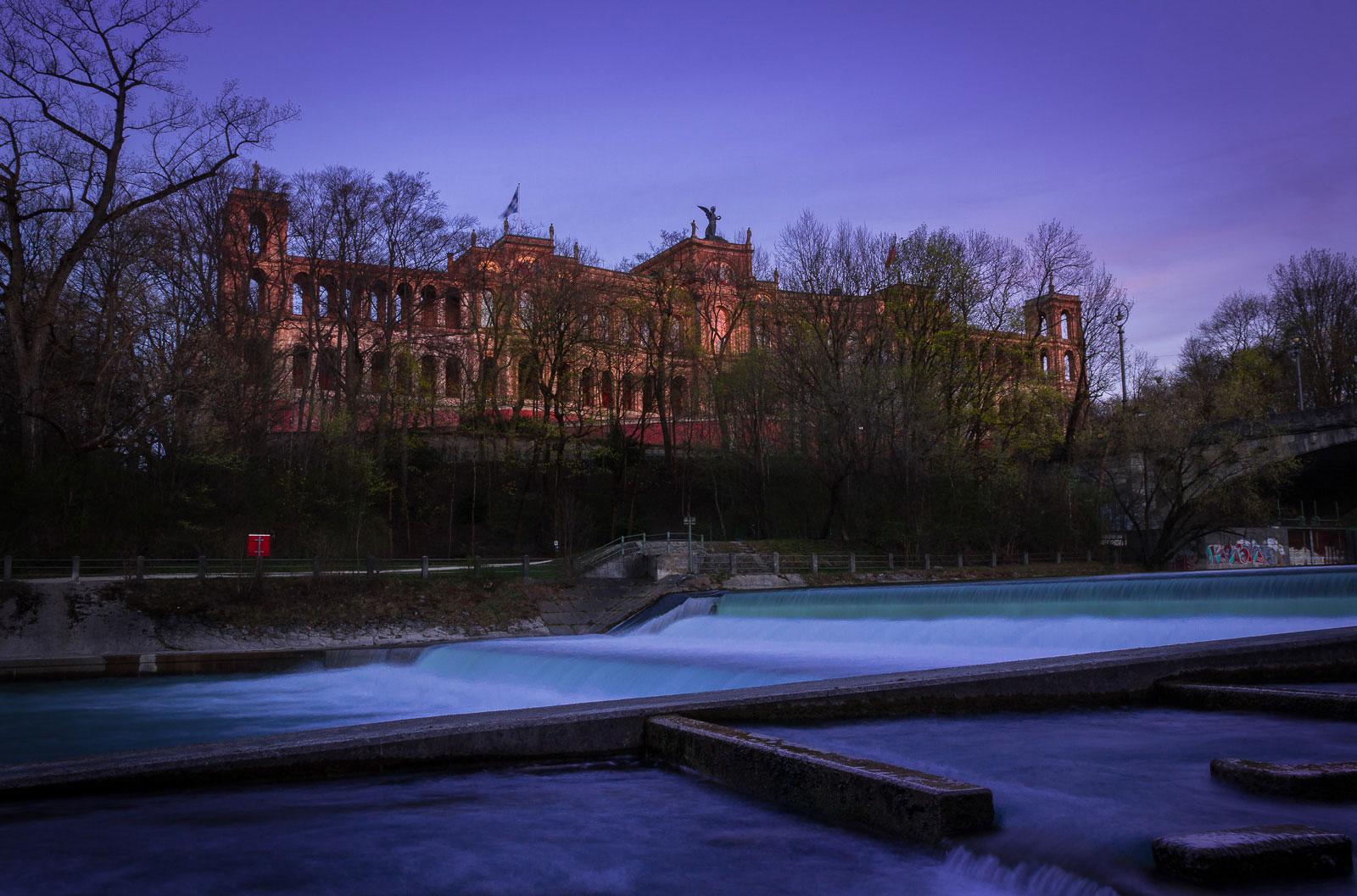 Maximilianeum bei Sonnenuntergang