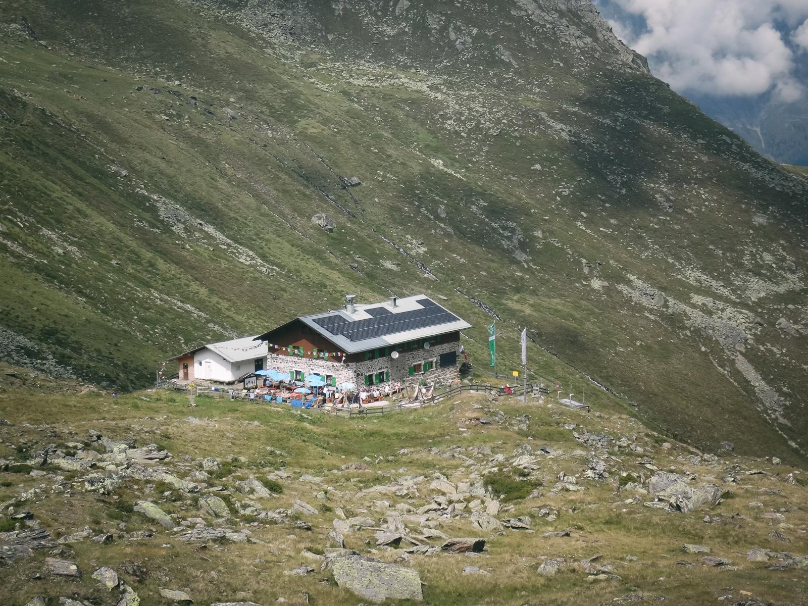 Unser Ziel. Von der Pforzheimer Hütte aus hat man einen tollen Blick ins Tal.