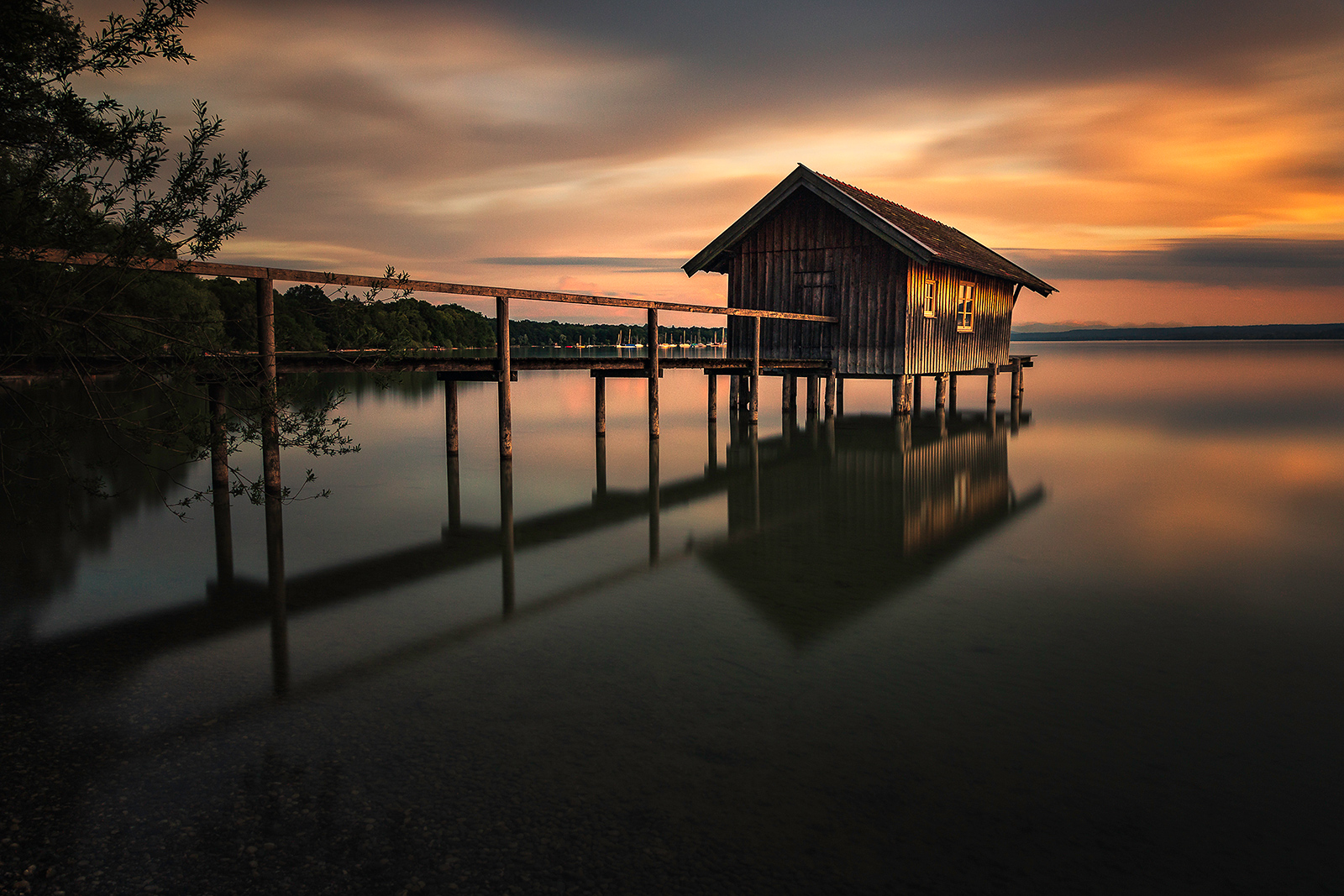 Mai: Sonnenuntergang am Ammersee