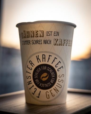 Einwegbecher Kaffee Zitat