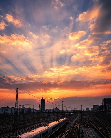Sonnenuntergang, Gleise, Hackerbrücke, München, Bayern