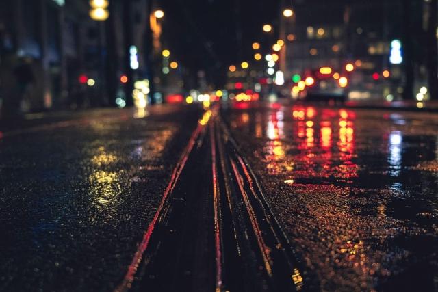 München, Tramschienen, nass, Regen, Bokeh, Citylights, Nacht