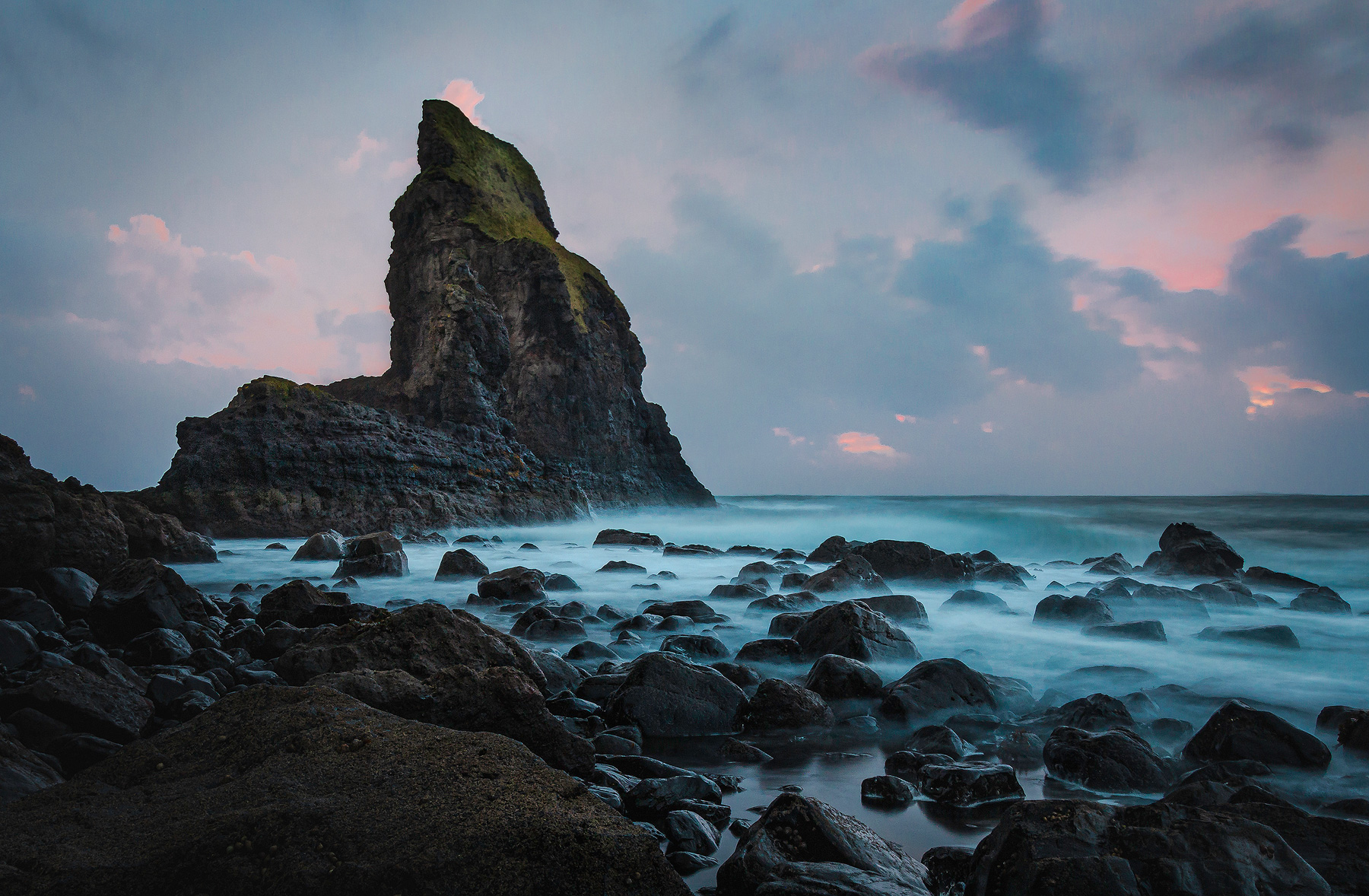 Jaworskyj Fotoreise, Lukas Voegelin, Schottland, Isle of Skye, Langzeitbelichtung, Talisker Bay, Sonnenuntergang