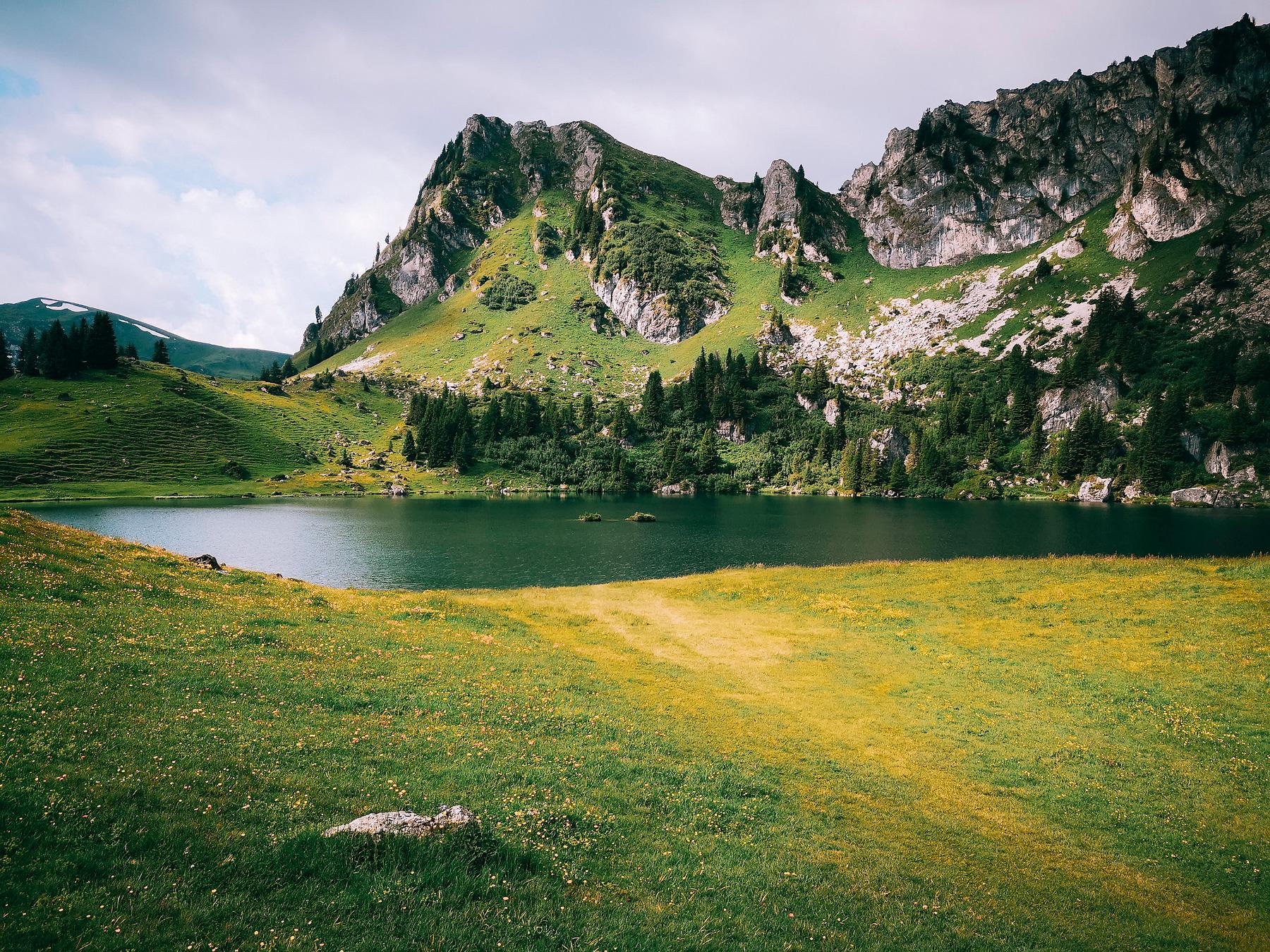 Der Seebergsee im Berner Oberland in der Schweiz.