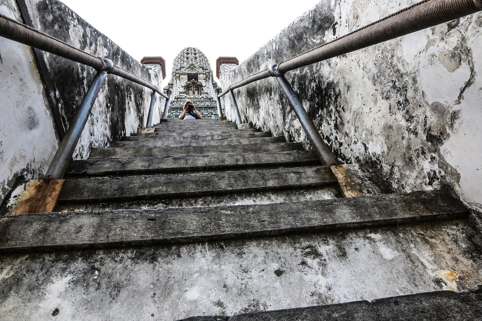 nichts für Leute mit Höhenangst ... der Phra Prang.