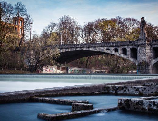 Fotospot Schwindinsel in der Isar in München