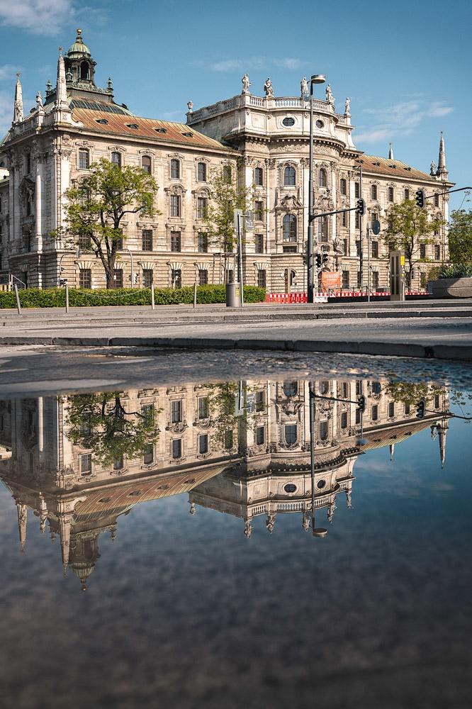 Stachus und Justizpalast in München